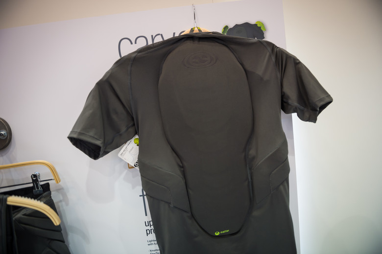 The Carve lightweight upper body protective suit from iXS offers shoulder 561fb2865