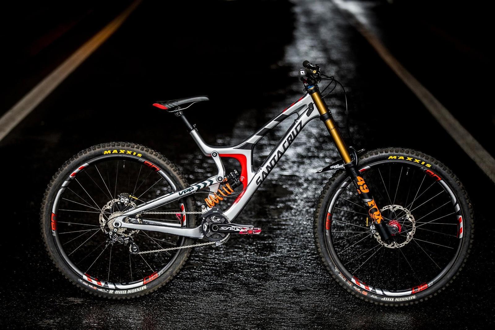 Luca Shaw's V10 29er