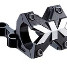 C138_torsion_boxxer_black_stem