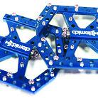 C138_pimp_pedals_blue