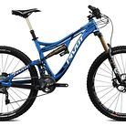 C138_pivot_mach_6_carbon_bike_electric_blue_with_shimano_xt_xtr_pro_build