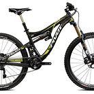 C138_pivot_mach_6_carbon_bike