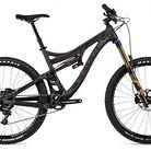 C138_2015_pivot_mach_6_carbon_x01_bike