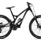 C138_2017_commencal_supreme_dh_v4.2_race_650b_black
