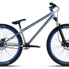 C138_bike_mondraker_quarter_i