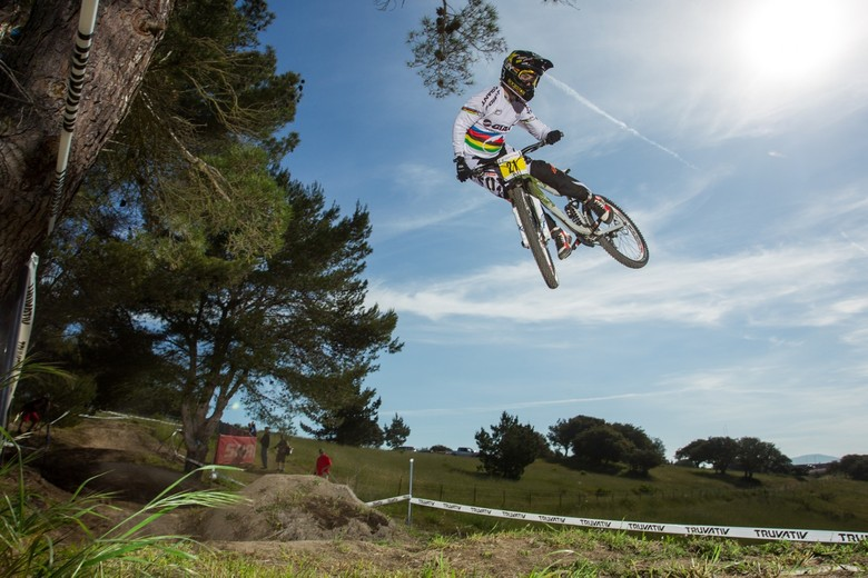 STARS OF DOWNHILL REGISTERED FOR CRANKWORX LES 2 ALPES' GIANT AIR DH