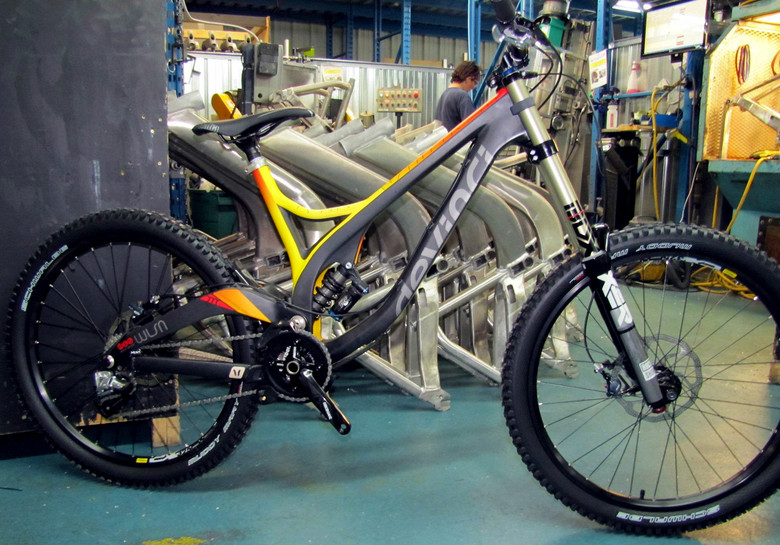 First Look: 2013 Devinci Wilson Carbon