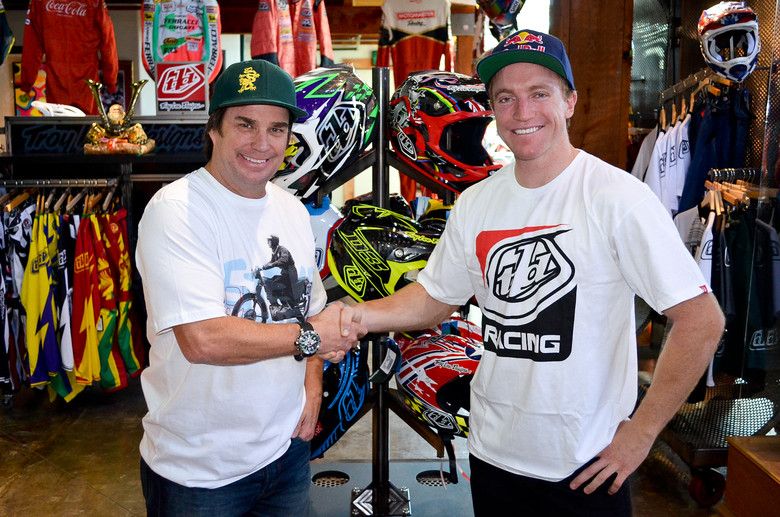 Aaron Gwin to Wear Troy Lee Designs Apparel and Protection