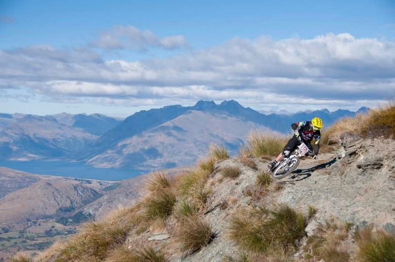 Hutchinson UR News : Tracey Shoulder Injury / Queenstown Bike Festival results