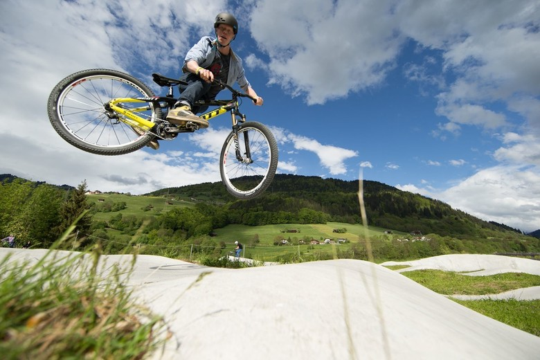 Tour de Pump - GSTAAD Scott Hits Up Sweet Pumptracks