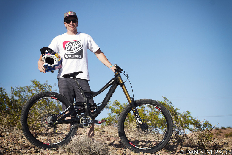 Aaron Gwin and his 2013 Specialized Carbon Demo - photo by Dan Severson