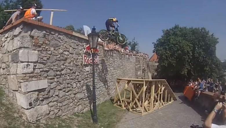 Marcelo Gutierrez Wins Bratislava City Downhill 2013