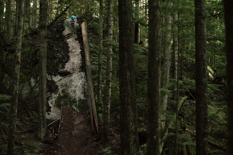 Ryan Berrecloth dropping in on the North Shore. Can you say steep?!