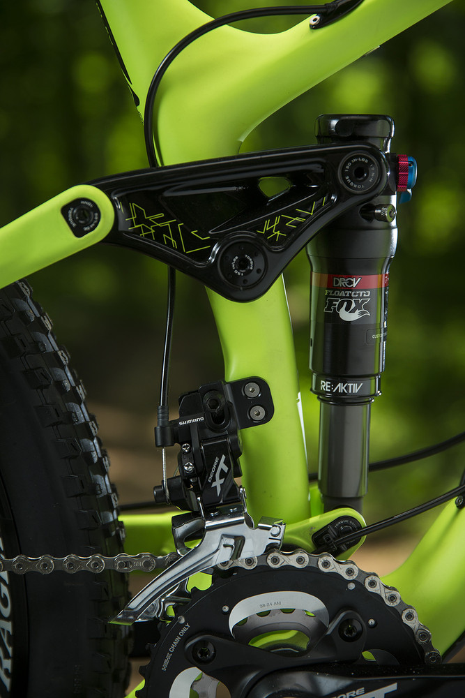 Formula 1 Meets Mountain Biking in Trek's New RE:aktiv Suspension