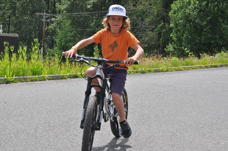 Super Groms Rejoice! Canfield Brothers Unveils Prototype Kid's Mini Downhill Bike