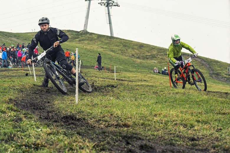 What's better than sliding sideways against your mate racing dual slalom? Photo: Petri Paananen