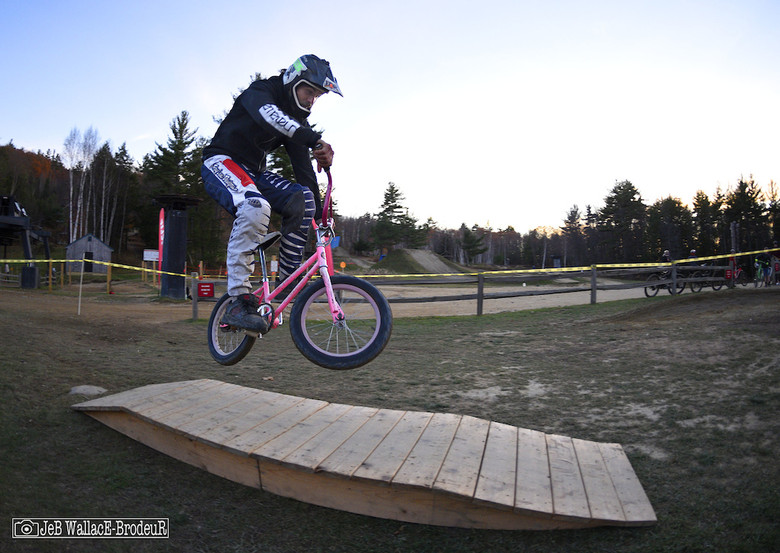 The mountain's biggest Wings for Life fundraiser was the wacky Pixie Bike Race that saw competitors negotiating an obstacle track on tiny bikes. Miguel Almeida spent much of the afternoon trying to dial in the Pixie bike course and his efforts were rewarded with a win and a Highland season pass for 2017.