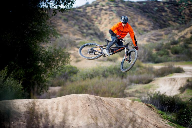 Велоиндустрия: Брайн Лопес присоединился к команде Ellsworth Bicycles