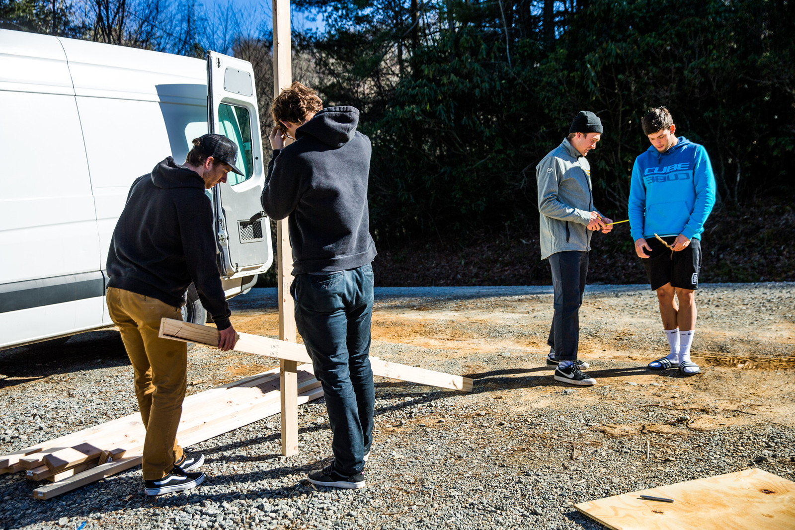 The day before the race, the local band of World Cup riders were tasked with building two ramps for loading and unloading the shuttle bus. It quickly turned into a competition: Max Morgan and Kiran McKinnon vs. Charlie Harrison and Greg Williamson.