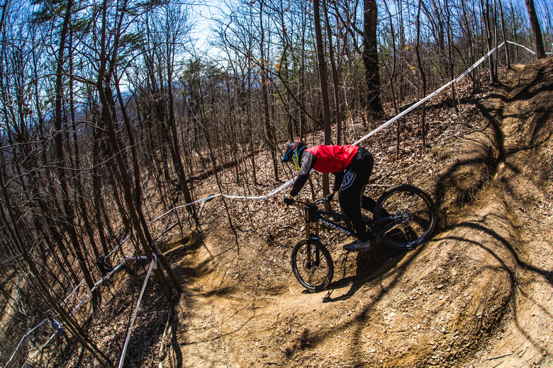 The top traverses quickly and gets steep and windy. There are inside and outside lines in every corner to suit all riding styles; Kiran MacKinnon opting for The Inside Line, not including podcast.
