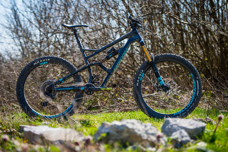 Jekyll - 165mm of gnar-gobbling travel in a long, low, and slack enduro package.