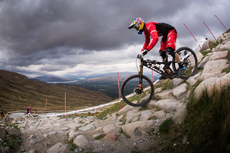 Gee grabbing data at BDS Fort William.