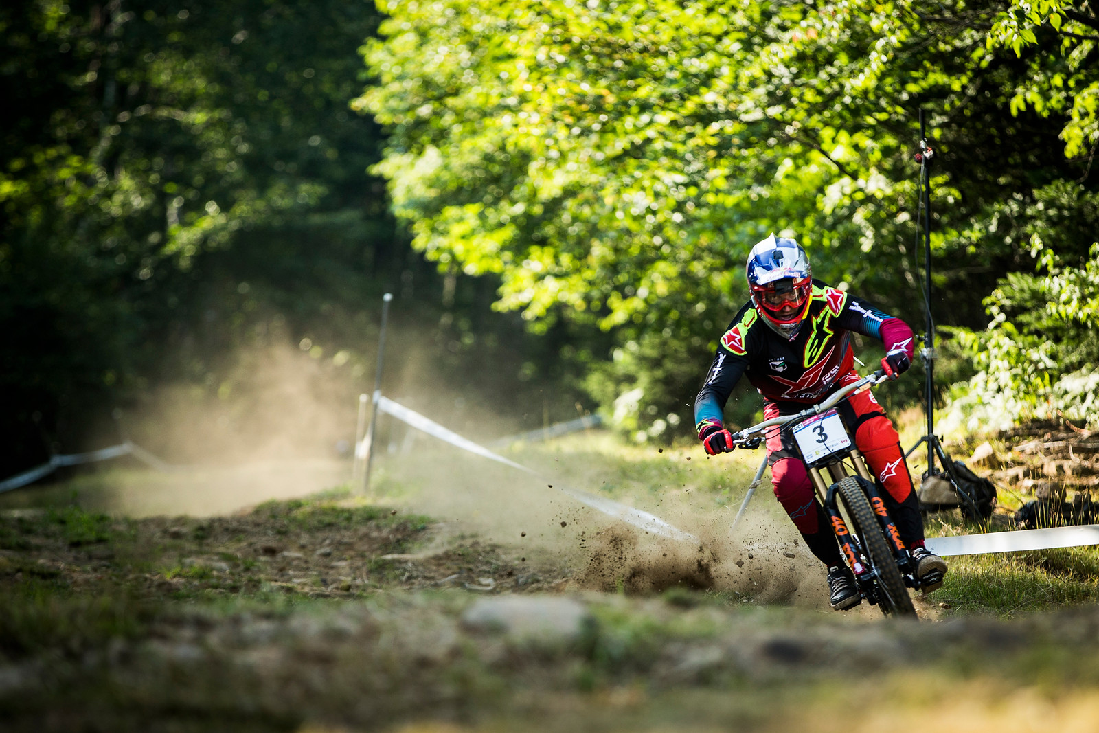 Late braking and plowing through rough ground at warp speed: Gwin knows a thing or two about such situations. 1st place qualifier.
