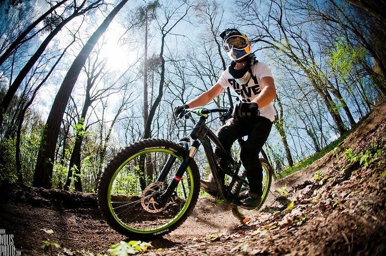 Berm - wolisphoto.com - Mountain Biking Pictures - Vital MTB