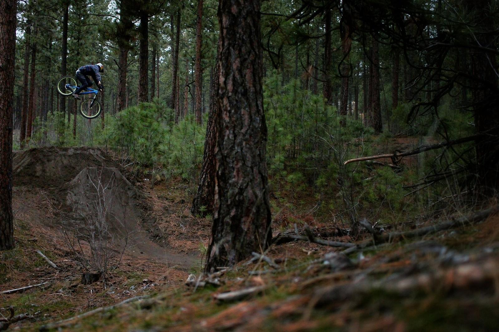 Justin Bumgarner spinning - Skye_Schillhammer - Mountain Biking Pictures - Vital MTB
