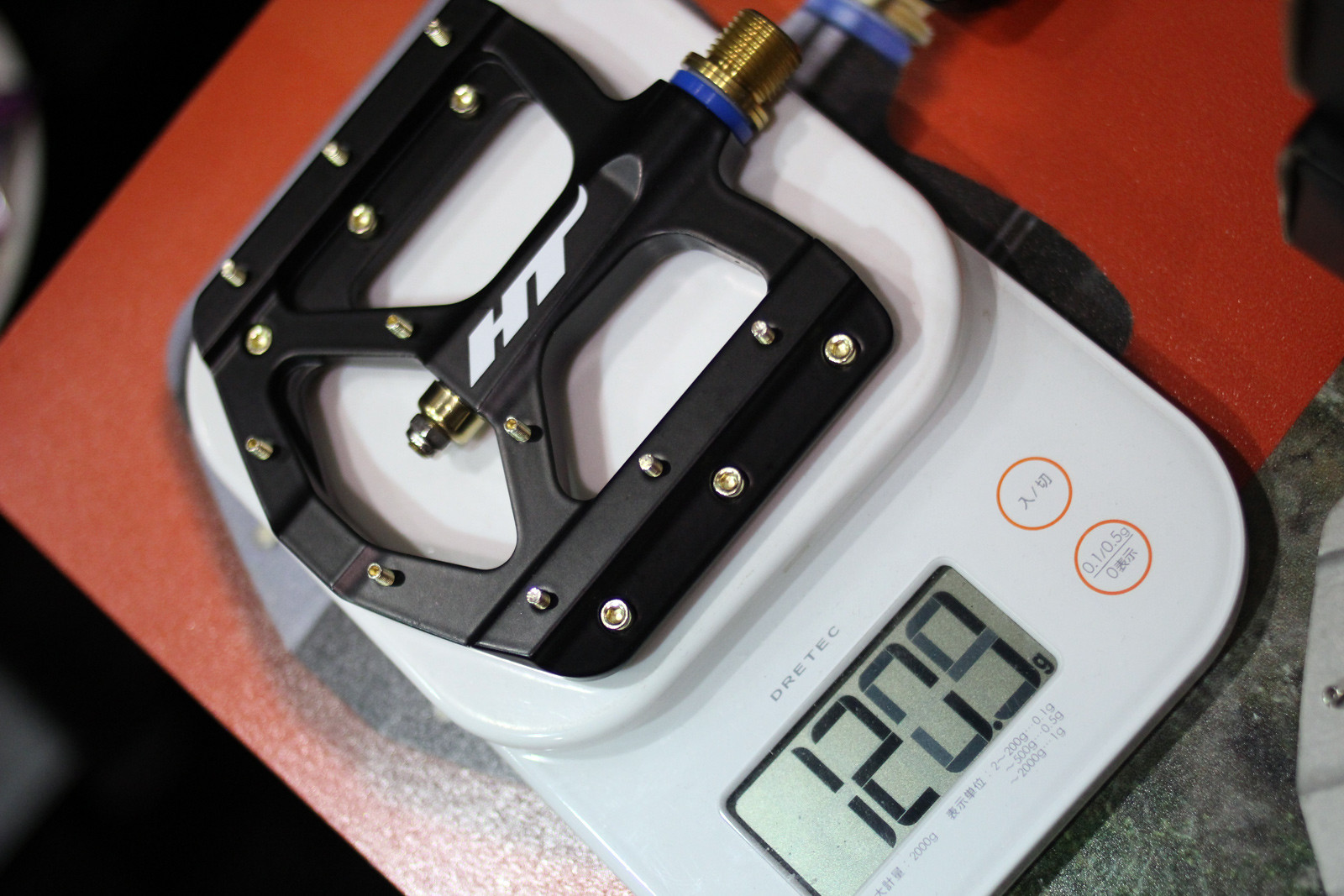 HT Components+ ME01T Pedals - Interbike Photo Gallery, Final Day (Part 1) - Mountain Biking Pictures - Vital MTB