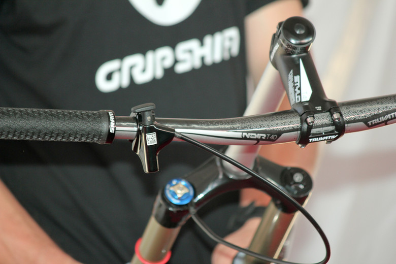 RockShox's New Push Lock Remote - Sea Otter Classic Pit Bits - Day 2 - Mountain Biking Pictures - Vital MTB