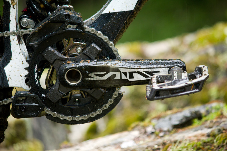 Shimano Saint FC-M825 Cranks - First Look: Vital's Pre-Production Shimano Saint Equipped V-10 Carbon - Mountain Biking Pictures - Vital MTB