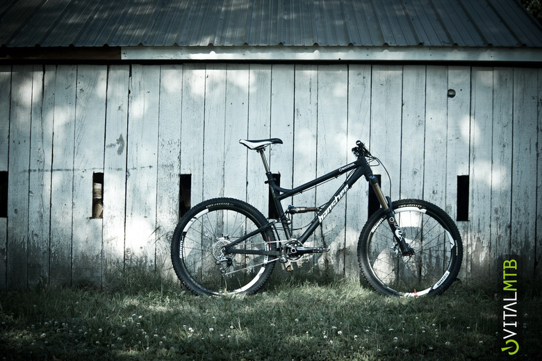 Vital's Banshee Spitfire Test Bike - Vital's Banshee Spitfire Test Bike - Mountain Biking Pictures - Vital MTB