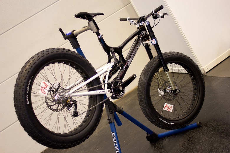 WHAT THE?!? Santa Cruz V10 Fat Bike - 2013 Downhill Bikes at Eurobike 2012 - Mountain Biking Pictures - Vital MTB