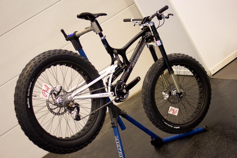 WHAT THE?!? Santa Cruz V10 Fat Bike - 2013 Downhill Bikes at Eurobike 2012 - Mountain Biking Pictures - Vital MTB