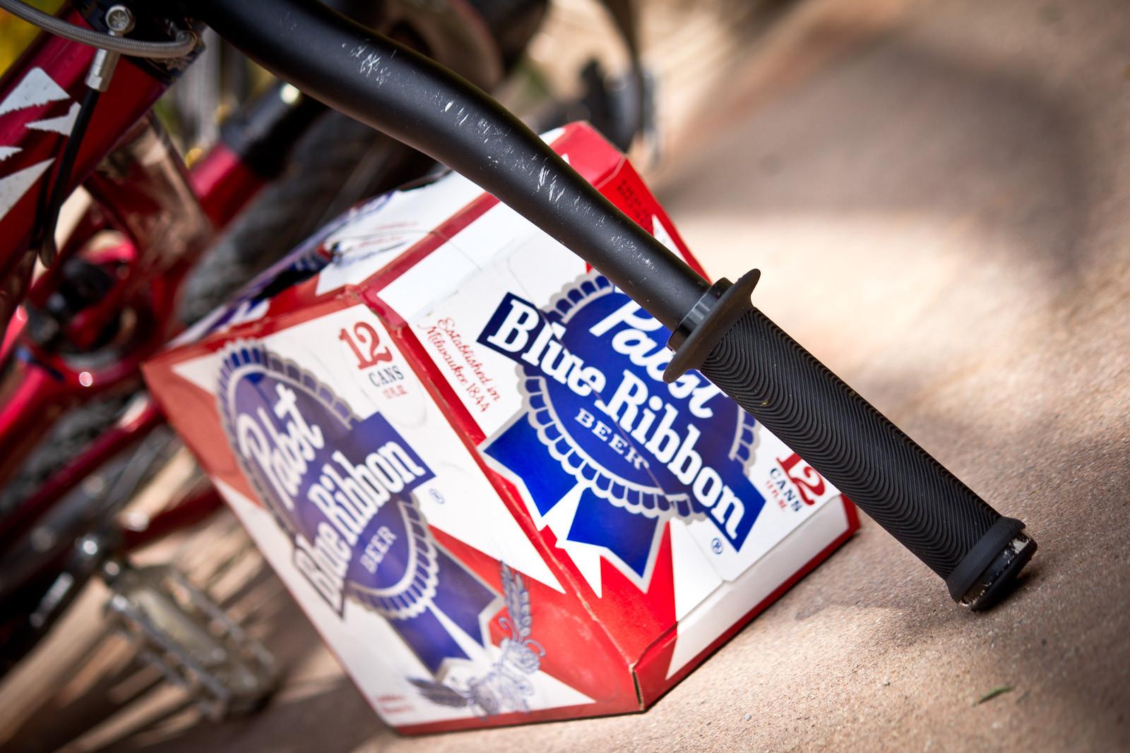 Sensus Grips, Yo! - Winning Bike: Martin Söderström's Specialized P.Slope - Mountain Biking Pictures - Vital MTB