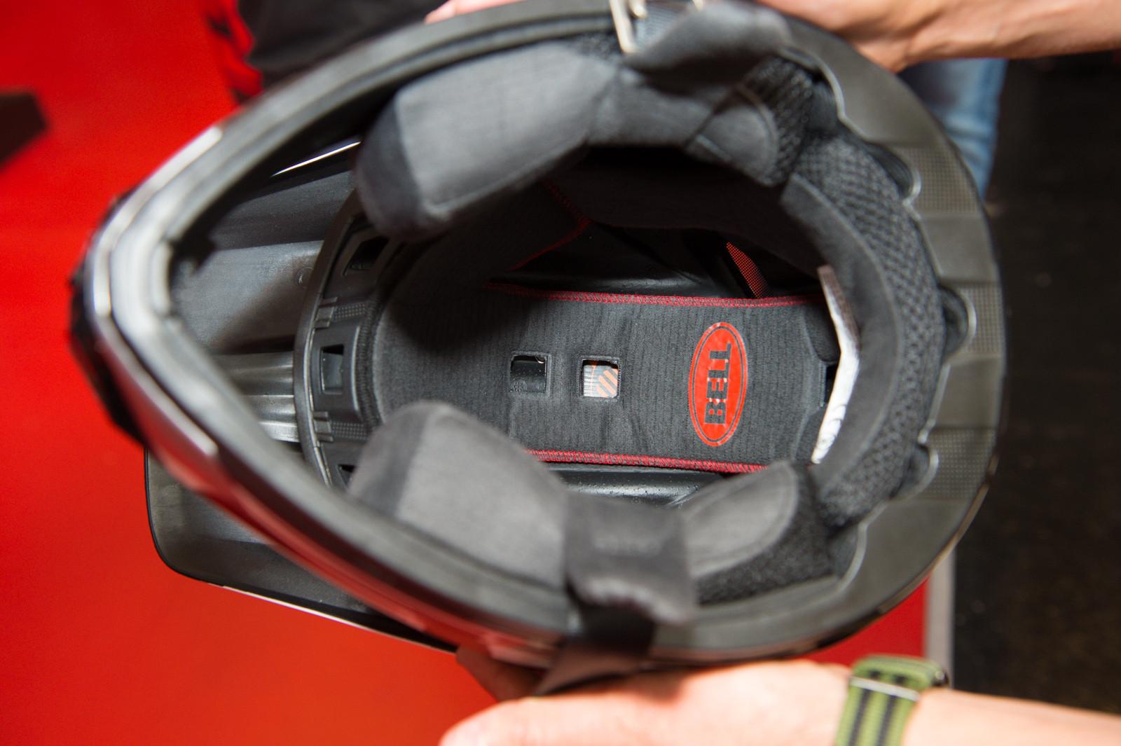 Bell Transfer-9 Full-Face Helmet - 2014 Mountain Bike Apparel & Protection at Eurobike 2013 - Mountain Biking Pictures - Vital MTB