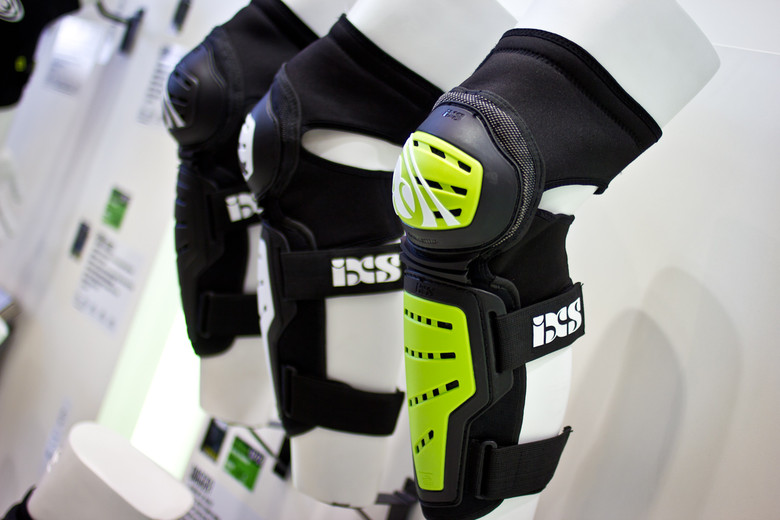 iXS Mallet Knee/Shin Pads - 2014 Mountain Bike Apparel & Protection at Eurobike 2013 - Mountain Biking Pictures - Vital MTB