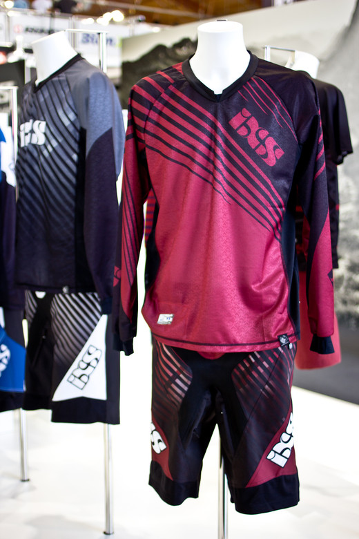 2014 iXS Svelt Race Apparel - 2014 Mountain Bike Apparel & Protection at Eurobike 2013 - Mountain Biking Pictures - Vital MTB