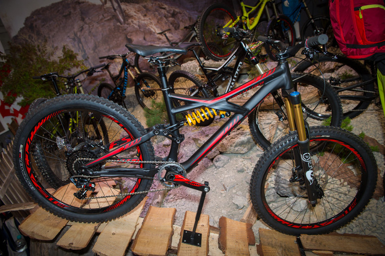 2014 Specialized Enduro EVO - 2014 Downhill Bikes at Eurobike 2013 - Mountain Biking Pictures - Vital MTB