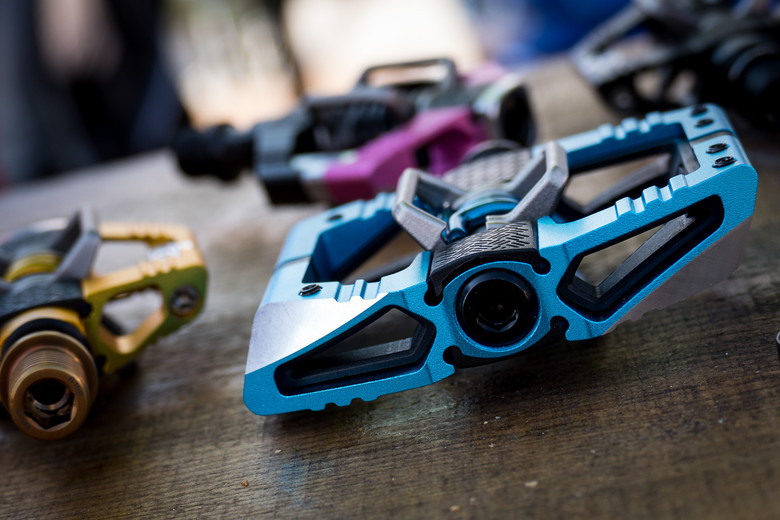 2016 Crankbrothers Mallet E And Candy Clipless Pedals 2016