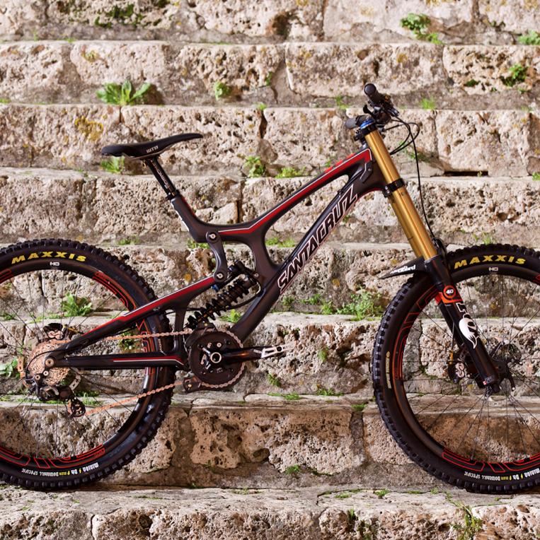 Downhill Wallpaper: In-Depth: The Full Carbon 2013 Santa Cruz V10c