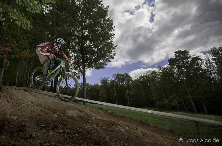 Over the hip with style - Lucas_Alcalde - Mountain Biking Pictures - Vital MTB