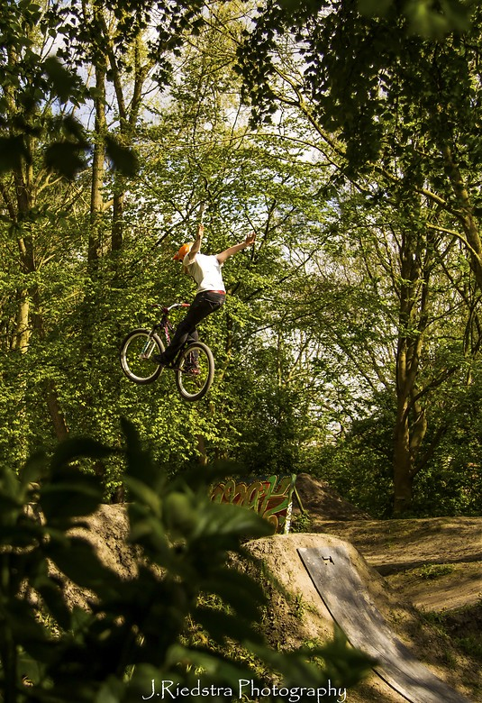 Suicide No Hander By Roy Groenewegen - Jeffrey riedstra - Mountain Biking Pictures - Vital MTB