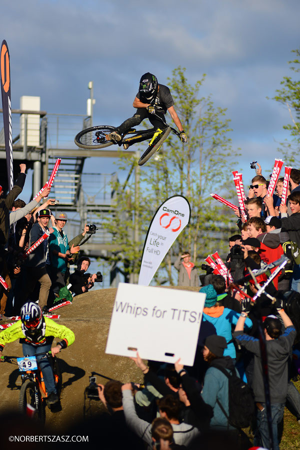 Sam Reynolds Whipping for Tits 1 of 2? - NorbertSzasz - Mountain Biking Pictures - Vital MTB
