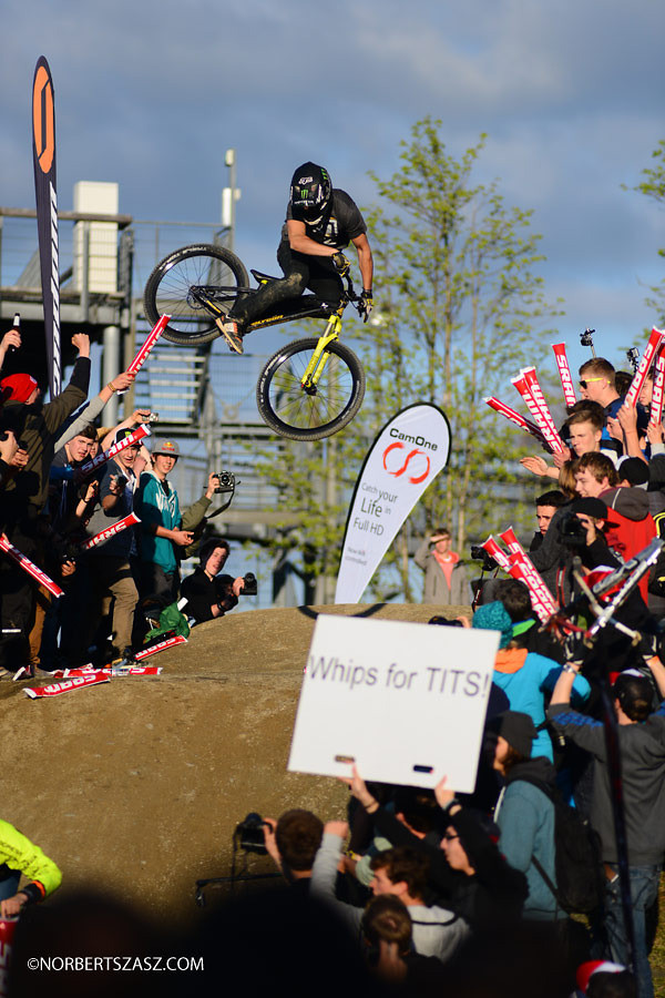 Sam Reynolds Whipping for Tits 2 of 2? - NorbertSzasz - Mountain Biking Pictures - Vital MTB