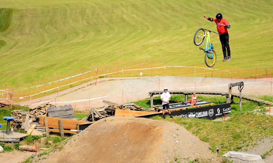 Simon Kirchmann, Puppet Master - NorbertSzasz - Mountain Biking Pictures - Vital MTB