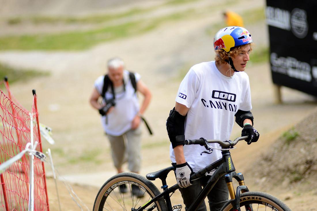 Thomas Genon has a new Canyon dirt frame. - NorbertSzasz - Mountain Biking Pictures - Vital MTB