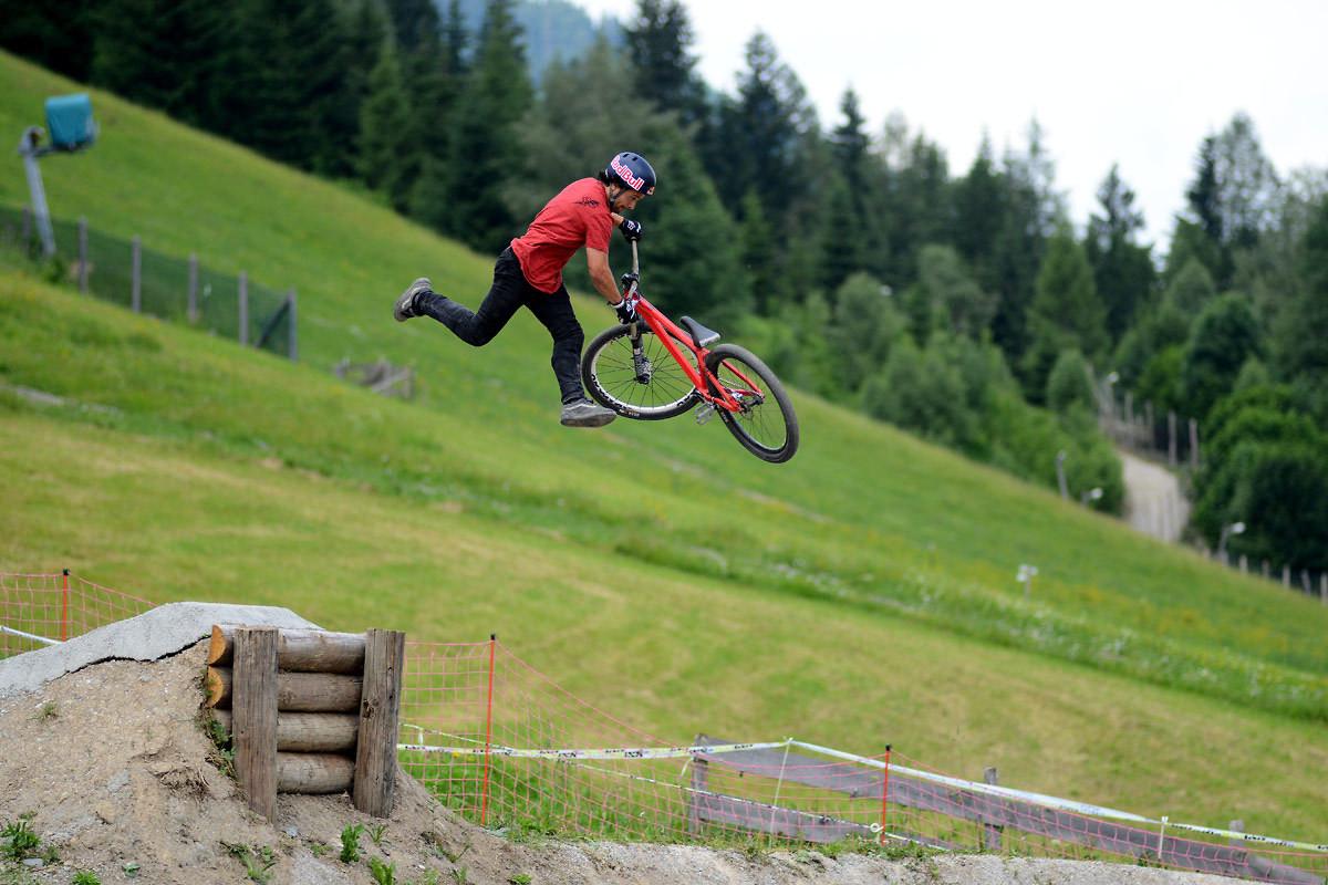 Yannick Granieri - NorbertSzasz - Mountain Biking Pictures - Vital MTB