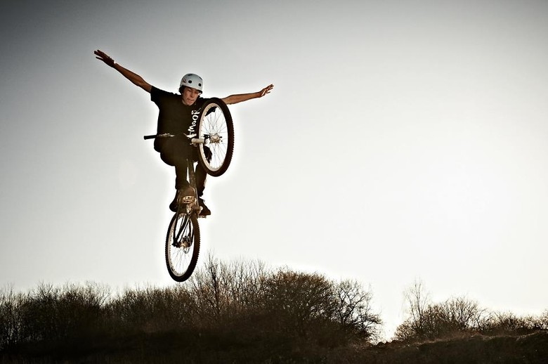 Tuck nohander - Fredleth - Mountain Biking Pictures - Vital MTB